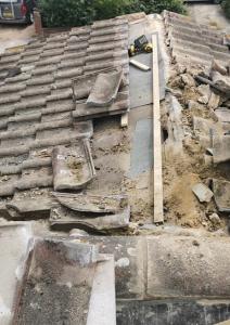 Billericay handyman repairing leaking roof tiles